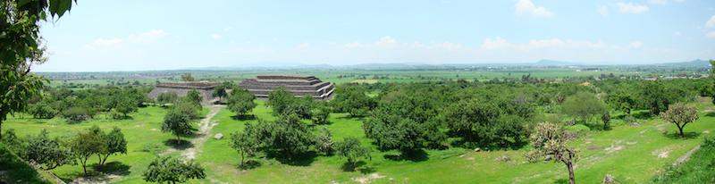 Panorámica desde la pirámide principal en la zona arqueológica de Peralta, Gto. (15 Fotografías)